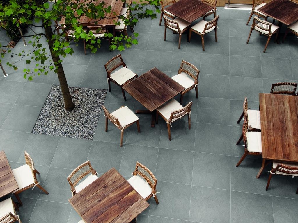 Pavimenti in grès porcellanato per esterni