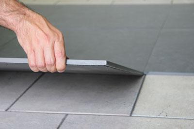 Pavimento a secco sistema autoposante a secco per interni - Posare piastrelle su piastrelle ...